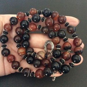 Jewelry - Multicolor agate beads necklace.